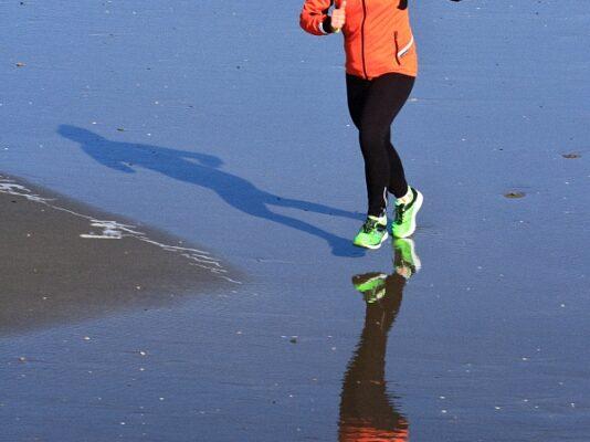 15 Alberto Benatelli - Running on the beach