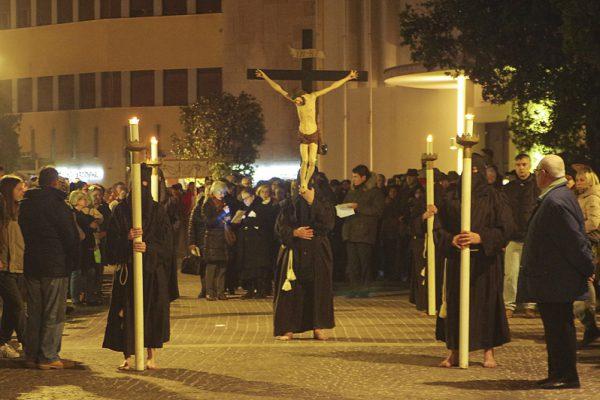 3 Raffaele Marchesan Via Crucis (ridimensionato)